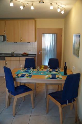 genug Platz für die ganze Familie beim Essen -2 Hochstühle für unsere kleinen Gäste sind auch vor Ort