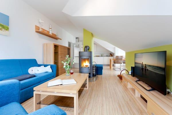 Das 3-Raum Appartement ist mit seinen 74 Quadratmetern das Highlight der Zwillingshäuser Ahlbecker Höhe.  Es befindet sich im Dachgeschoss - Fischerweg 4  im Seebad Ahlbeck ...