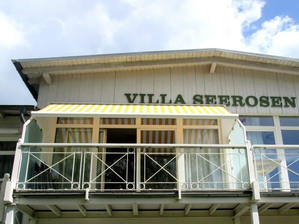 Wohnung mit  Balkon vom Garten aus