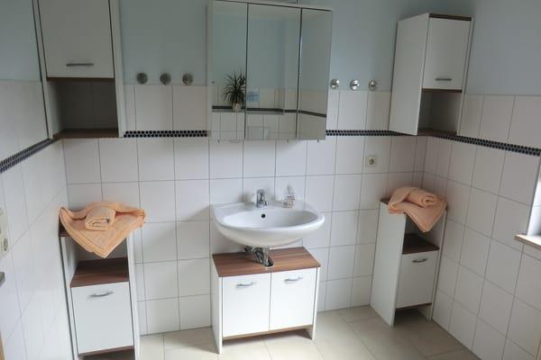 Badezimmer 1. Ansicht