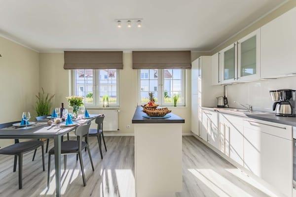 Offener Essbereich mit Küchenzeile