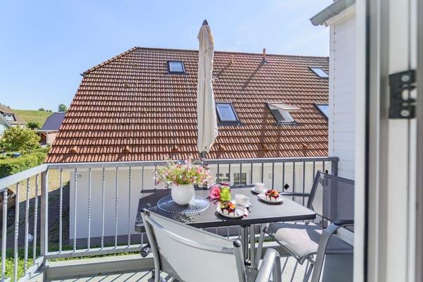 Balkon mit Blick auf den Lotsenberg