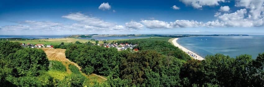 Panoramablick auf Thiessow und die Ostsee