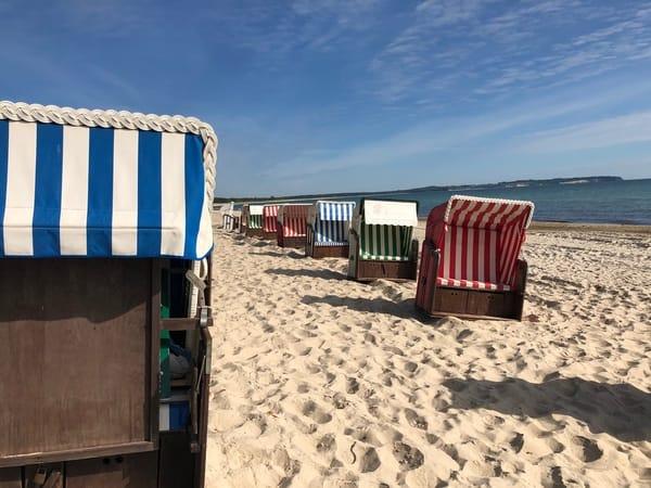 Strandkörbe am Strand von Thiessow