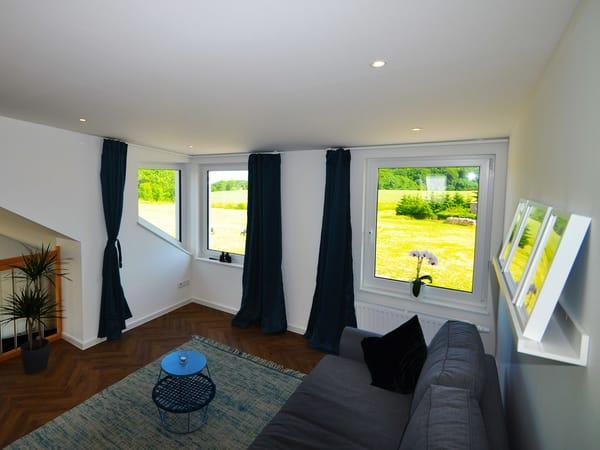 Lounge Bereich 1. OG (oder Aufbettung 160cm x 200cm)