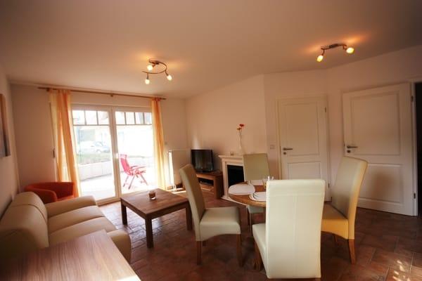 Wohnzimmer Couchecke mit Kamin