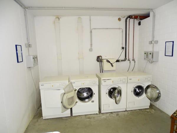 Münz-Waschmaschine und -trocker