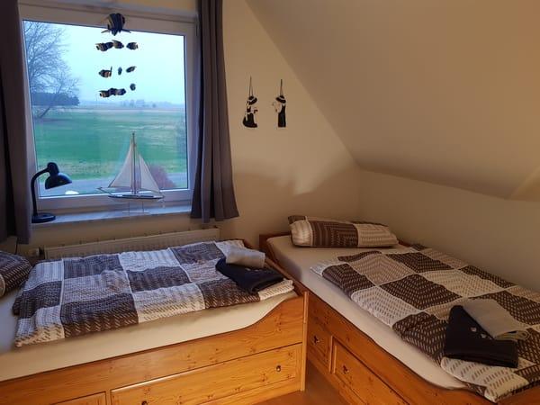 2. Schlafzimmer mit Boddenblick