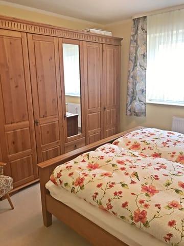 Schlafzimmer mit Dopelbett