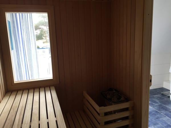 Sauna mit Fenster, gg Gebühr 10€/3h,Südbalkon, Gemeinschaftsnutzung