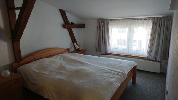 Schlafzimmer 2, Doppelbett 1,60 m