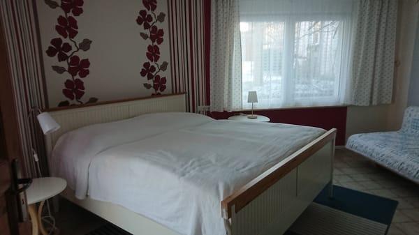Schlafzimmer, Doppelbett 1,80 m