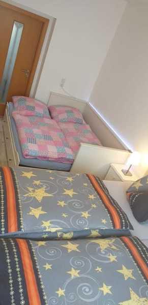 Wandbett ausgezogen 160 cm x 200 cm Schlafplatz für 2 Personen