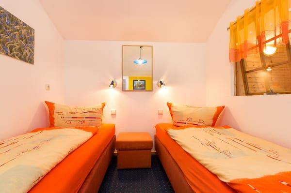 Der Schlafbereich mit 2 Einzelbetten.