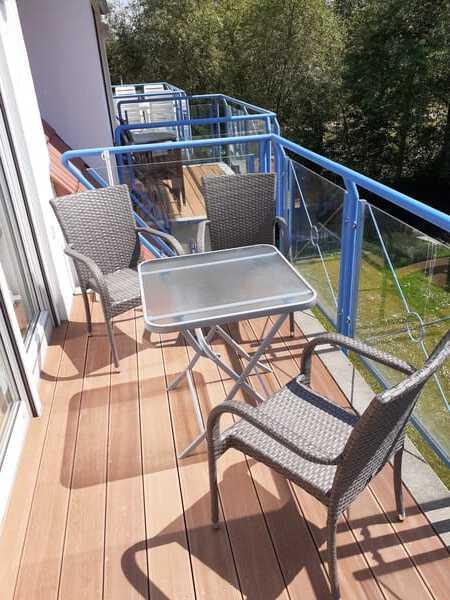 Süd-Balkon (Ab Juni-2020: Balkon mit Bangkirai-Dielen )