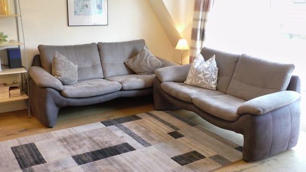 Wohnzimmer / hochwertige Sitzgarnitur