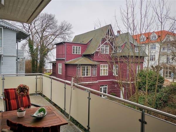 Balkon mit kleinen Blick zur Ostsee