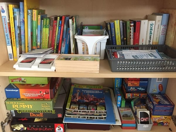 Spiele und Bücher