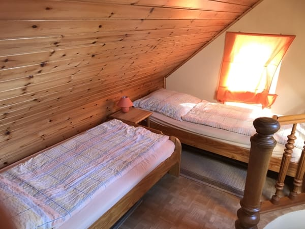 Aufbettung mit jeweils 2 Einzelbetten