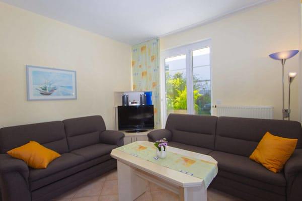 Wohnbereich mit Schlafcouch 1,60m x 2,00m, KabelTV und Wlan