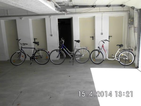 Fahrräder im Keller zur kostenlosen Nutzung