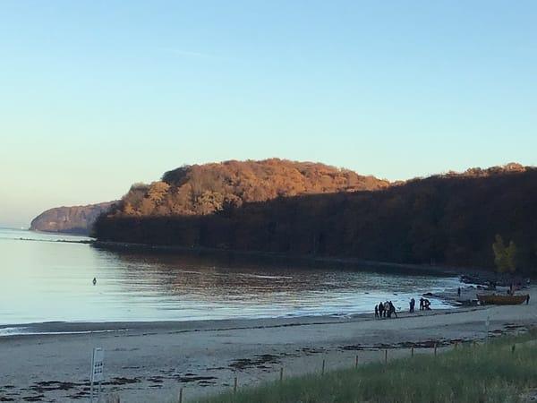 Strandabschnitt im Herbst