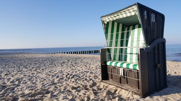 Egal ob im Strandkorb, auf dem Handtuch oder in der Strandmuschel - entspannen am Meer geht immer