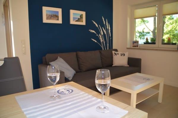 Wohnküche mit Couch (Schlafcouch ausziehbar).