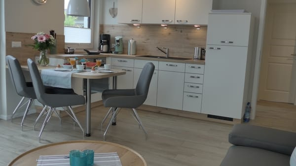 Küche mit integriertem Essplatz