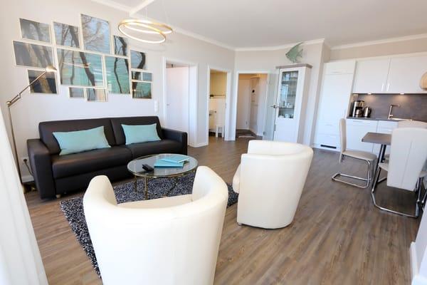 Villencharme pur, großzügiger Wohnraum mit stilvollem Ambiente, unbezahlbar schöner Meerblick, 4 Sterne