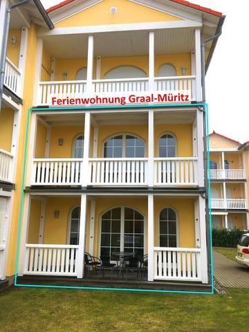 Ansicht der Maisonette-Fewo mit Veranda und Balkon