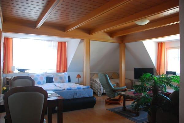 FeWo 2 Wohn-/Schlafzimmer!