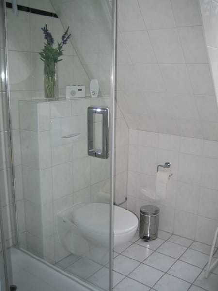 Badezimmer I.