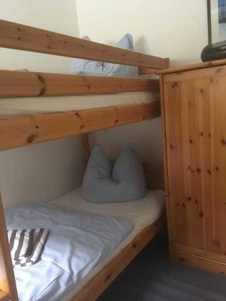 Schlafzimmer III.
