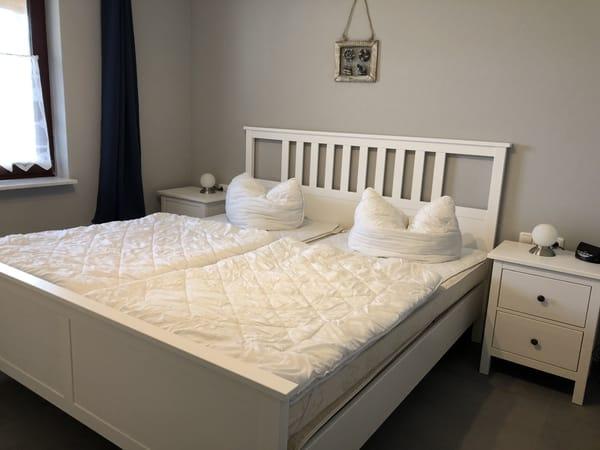 Typ 1/2 - Schlafzimmer mit TV (Parterre)