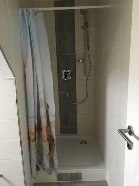 Typ 1 oben Dusche