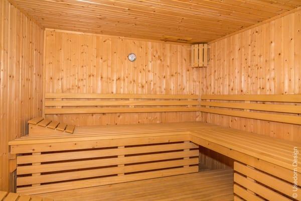 Im Haus befinden sich gegen Gebühr Sauna, Whirlpool, Dampfsauna, ...