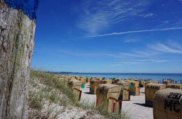 Der schönste Strand Fehmarns, der Südstrand, liegt nur 90 m entfernt vom Haus und ist praktisch barrierefrei erreichbar