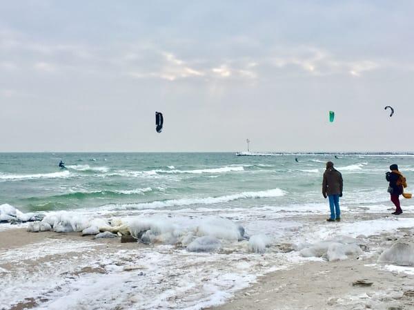 Auch im Winter ist es am Strand schön! Kitesurfen geht eigentlich immer... ;-)