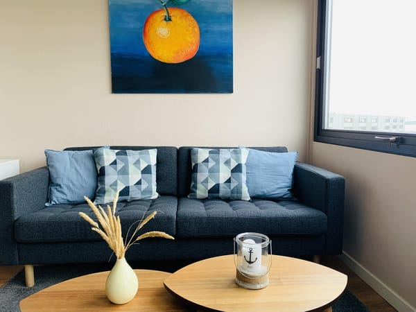 Neue, großzügige Couch (seit 01/2021)
