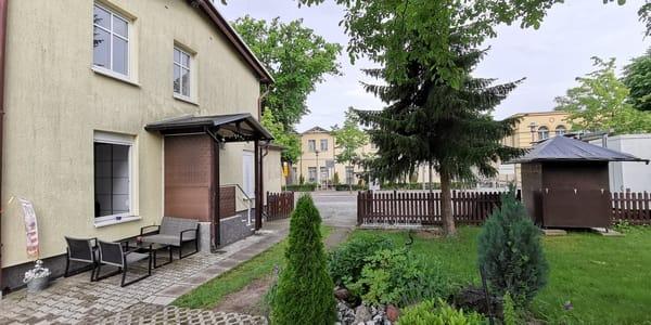 Grundstück mit Terrasse
