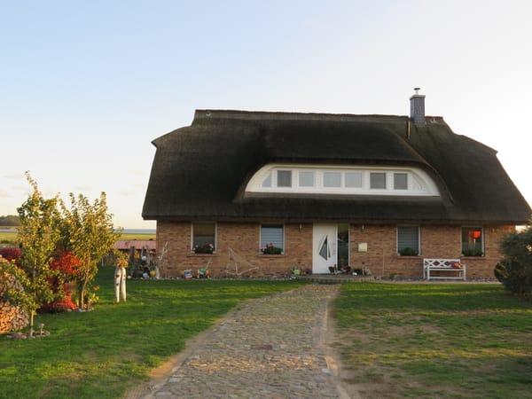 unser Haus mit FEWO oben rechts