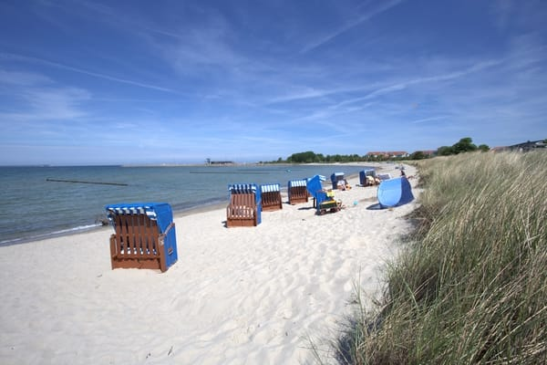 Strand unterhalb Arkonablick (Strandkörbe können im Eiscafe gemietet werden)