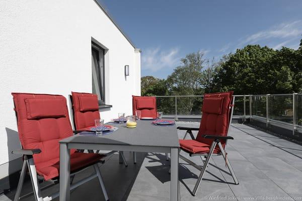 Dachterrasse - Tisch und 4 Stühle
