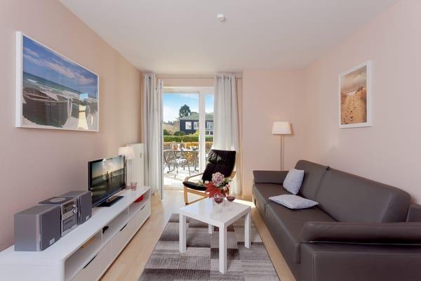 Das helle Zwei-Zimmer-Appartement befindet sich im Erdgeschoss und bietet mit einer Größe von 40 Quadratmetern ausreichend Platz für einen erholsamen Urlaub mit bis zu vier Personen.