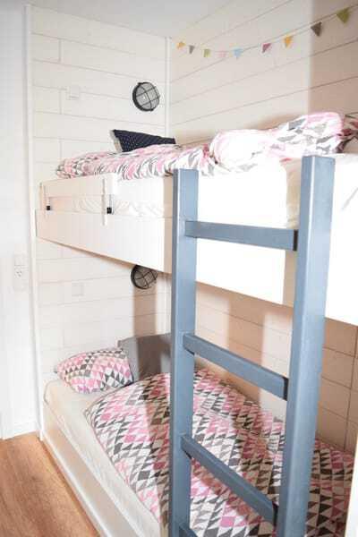 Schlafzimmer 3 mit 2 Etagenbetten (4 Schlafplätze)