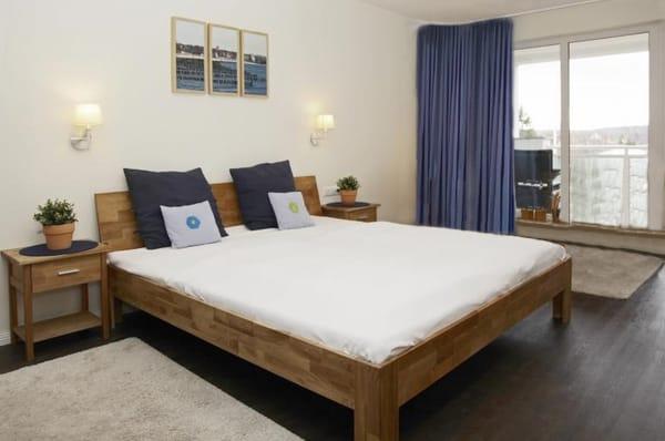 Doppelbett 200 x 180 cm