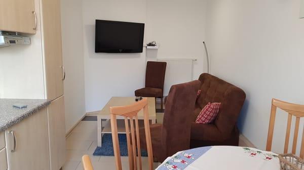 Wohnbereich mit SAT-TV Ferienwohnung Rügen 3