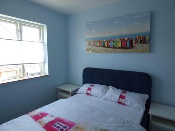 Schlafzimmer 2 OG Bett