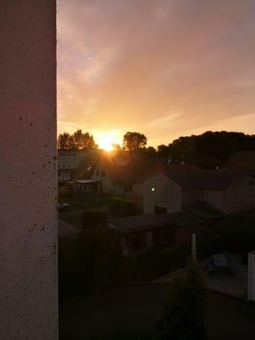 Sonnenaufgang vom hinteren Balkon